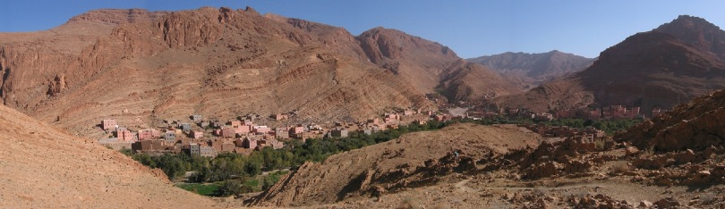 Panorama view when descending from the Todra Gorge trail